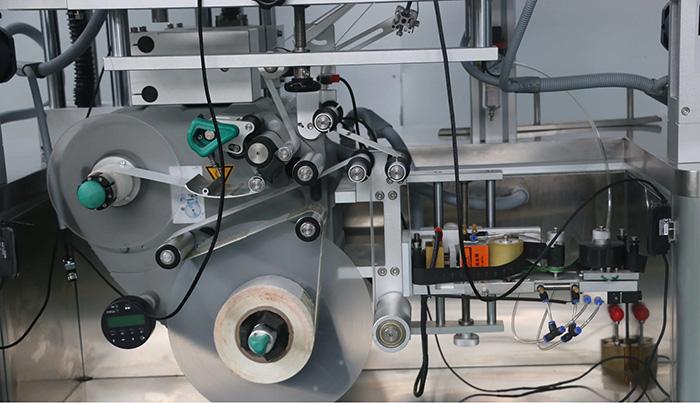 Automatický oboustranný štítkovací štítkovací stroj